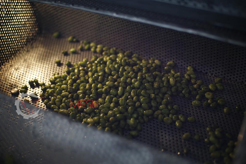 Kacang Edamame Diproses Menggunakan Mesin Vacuum Frying